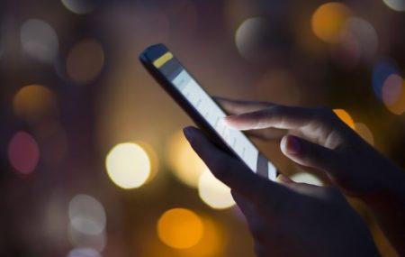 Les petits malins qui cherchent à accéder à vos coordonnées bancaires ne manquent pas d'ingéniosité. Parmi les arnaques les plus utilisées, il y a la fraude par téléphone. Les malfrats se passent pour de respectables techniciens des NTIC. Si vous redoutez cette manœuvre, lisez la suite.